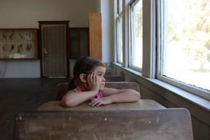 Table basse ou bureau pour l'enfant ?